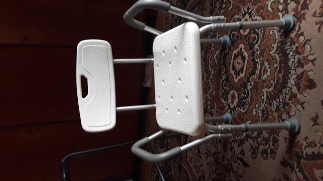 Krzeslo do kąpieli dla niepełnosprawnych