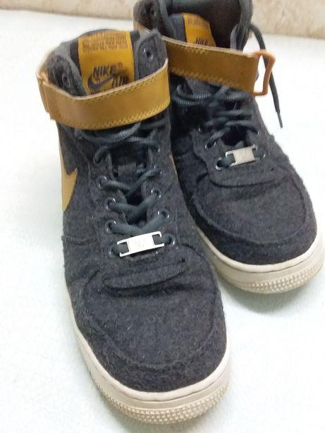 Ботинки мужские  в норм состоянии