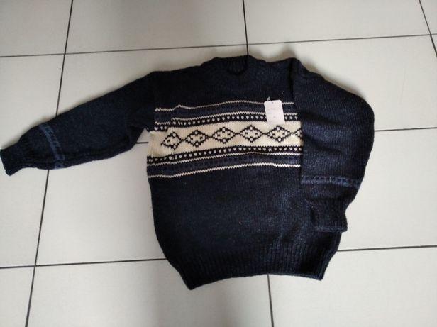 Duas Camisolas de lã novas 15€ cada