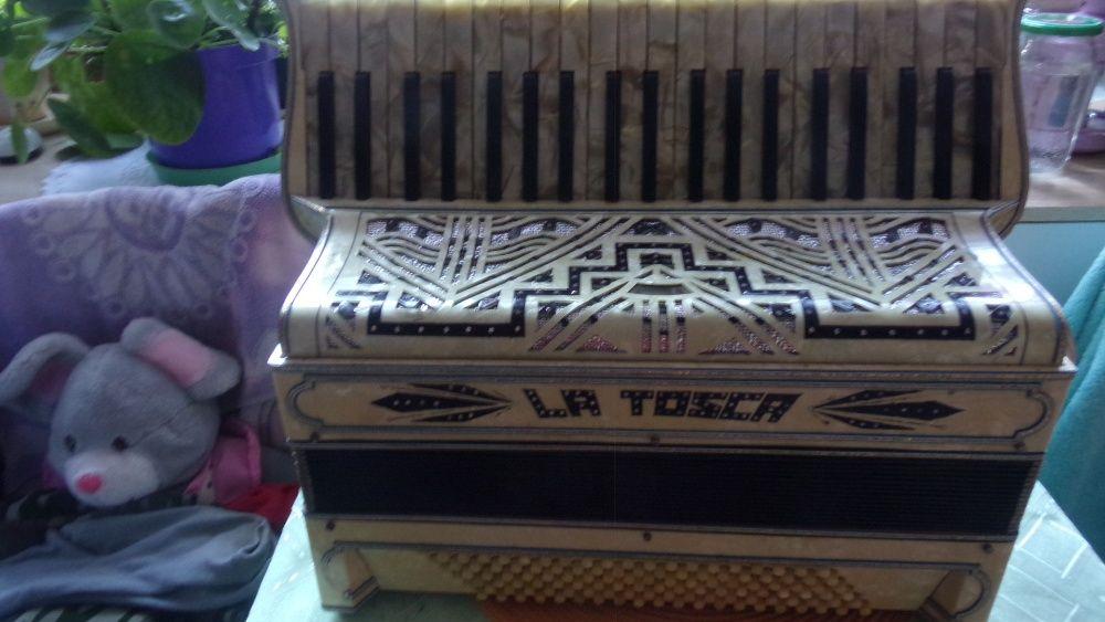 akordeon włoski La Tosca 120 b 3 ch Dębowiec - image 1