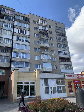 ТЕРМІНОВО продається трикімнатна квартира в центрі міста КАЛУШ