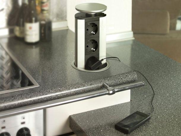 Tomada eléctrica invisível discreta cozinha bancada nova
