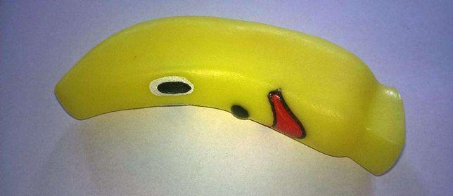 Zabawka dla psa Banan piszczący 15cm