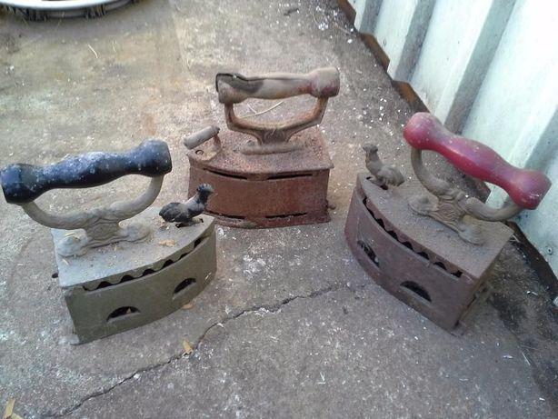 Ferros de Engomar a Carvão Alba Oliva Clássicos Antigos