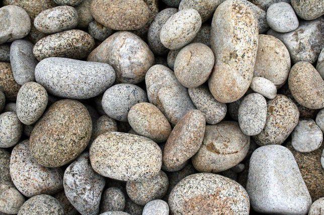 Kamień kamyczek do oczka wodnego skalniaki kaskady ogród Humus żwirek