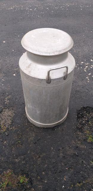 Leiteiras ou bilhas para transporte de leite