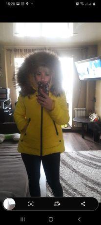 Продам курточку осень зима