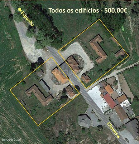 Todos os edifícios do antigo posto fronteiriço de Vila Verde da Raia