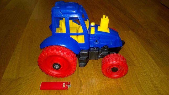 Трактор большой 23х18х17 см