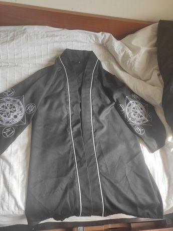 Kimono Quimono Preto Alternativo Gótico com estampa nas mangas