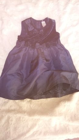 Piękna sukienka 3-6 m-ca