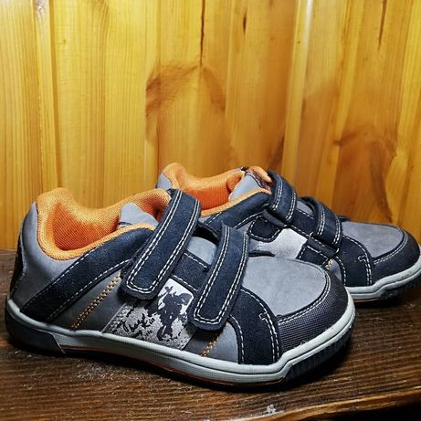 Кросівки хлопчачі