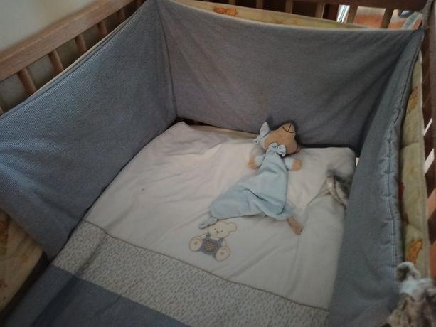 Edredom cama  de grades_menino com pouco uso