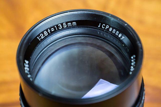 Продам светосильный мануальный объектив 135mm f/2.8