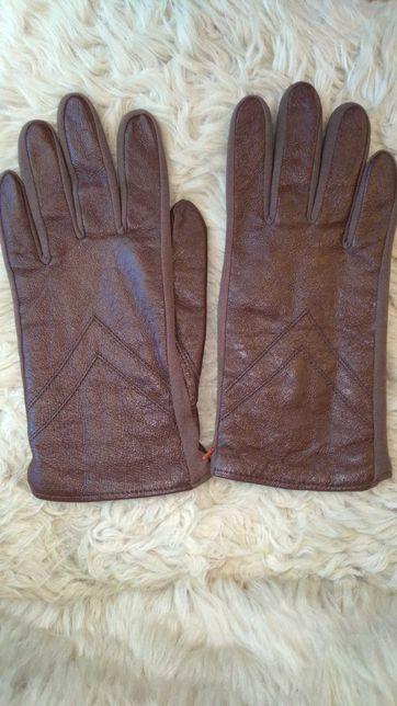 Перчатки коричневые кожаные S женские