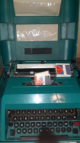 Máquina datilografia Olivetti
