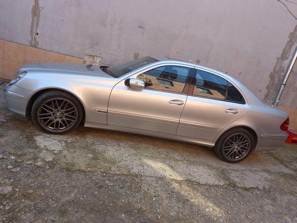 Продам Mercedes-Benz Е320
