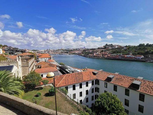 T2 equipado com vistas panorâmicas sobre o Rio Douro, no Porto
