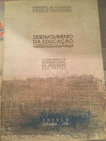 Livro desenvolvimento da educação-relatório nacional de Portugal 1996