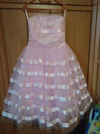 Продам праздничное, нарядное детское платье