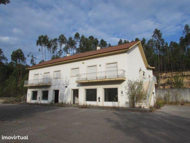 Prédio com 2.770 m2 de terreno, junto ao IC2, Redinha, Pombal