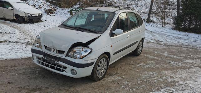 Renault scenic     .