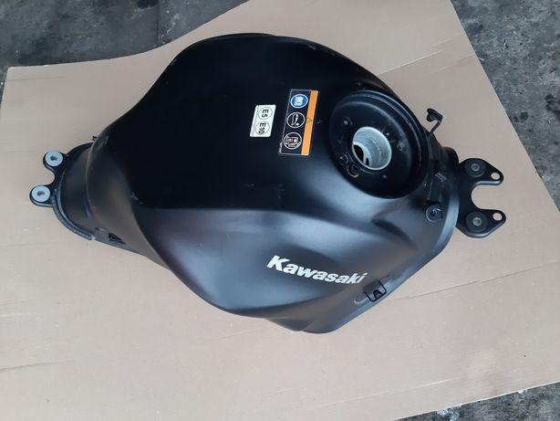 Zbiornik paliwa Kawasaki Z650 bak z 650 reflektor felga przód czesci