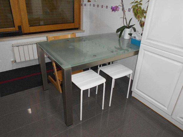 Mesa inox com tampo de vidro 1.40x0.80m Extensível - 1.80m