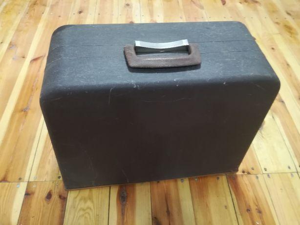 Łucznik 877 maszyna do szycia walizkowa