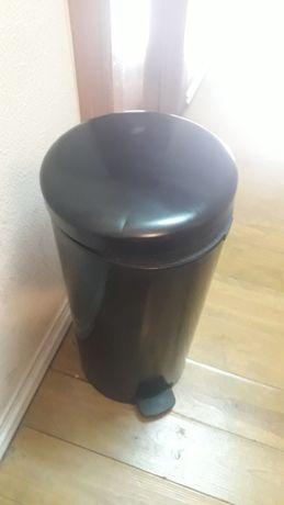 Caixote de lixo Brabantia 30L , usado mais funcionado bem.