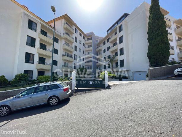 Apartamento T2 Situado na Rua da Calçada, Ilha da Madeira, Santa Cr...
