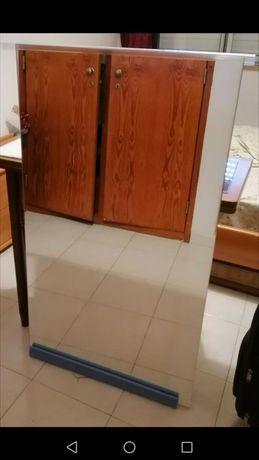Espelho IKEA com moldura e espelho sem moldura