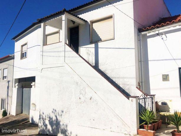 Moradia em aldeia T2+1 a 15 minutos de Santarém