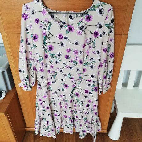 Sukienka w kwiaty nowa z metka