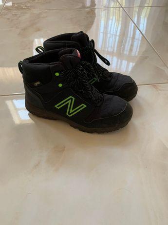 """продам осенние ботинки """"new balance"""""""