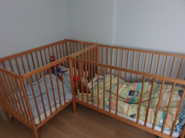 łóżeczko dziecięce drewniane x 2