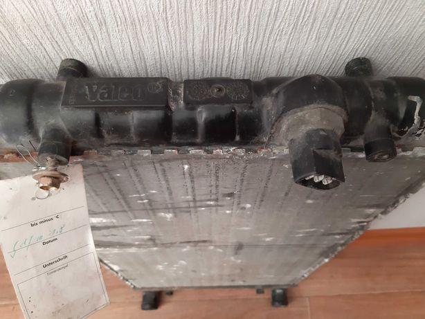Радиатор охлаждения  Volkswagen Golf 3. 1.8