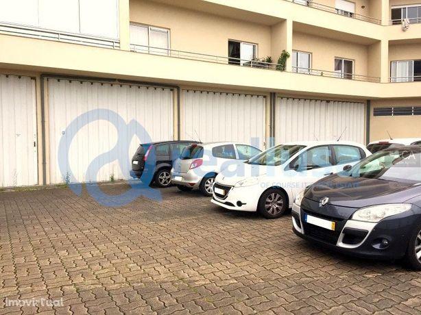 Armazém c/ 752 m² em Santo Tirso, Porto, Excelentes condições de finan