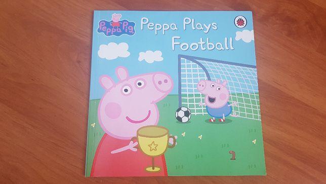 Peppa plays Football Ladybird j. nowa po angielsku