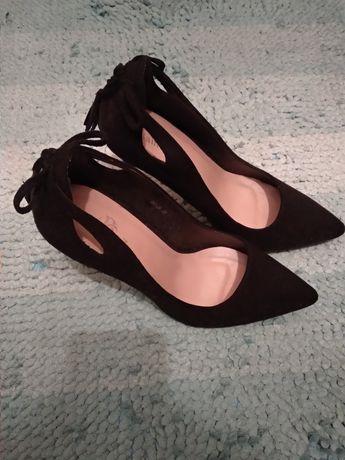 Туфли женские на шпильке классика