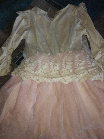 Нарядное платье пышная юбка 5 6 7 лет