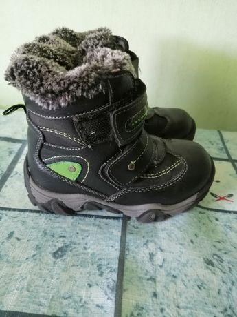 Продам детские ботинки сапожки