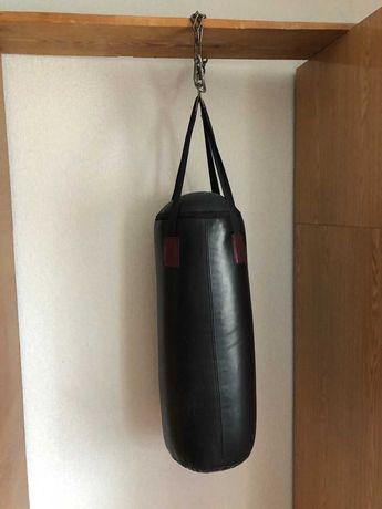 боксерский мешок в отличном состоянии на цепи с карабином