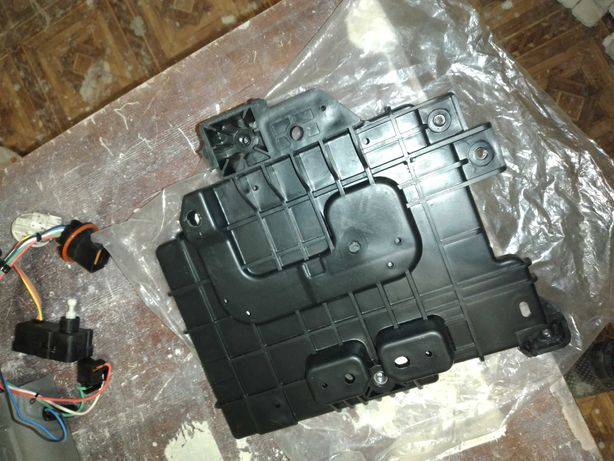 Полка аккумулятора Hyundai ST-37150-1R360