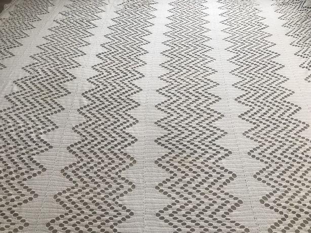 Colcha de crochet feita à mão