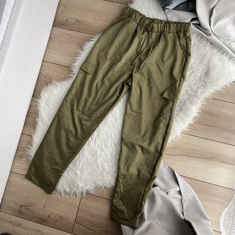 Zielone spodnie c&a