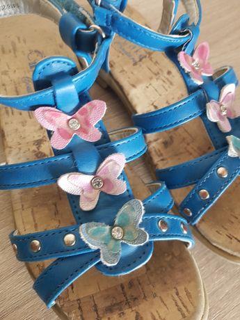 Sandałki niebieskie z motylkami, sandały Cupcake długość wkładki 19cm