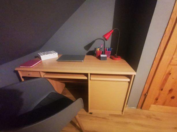 Duże funkcjonalne biurko