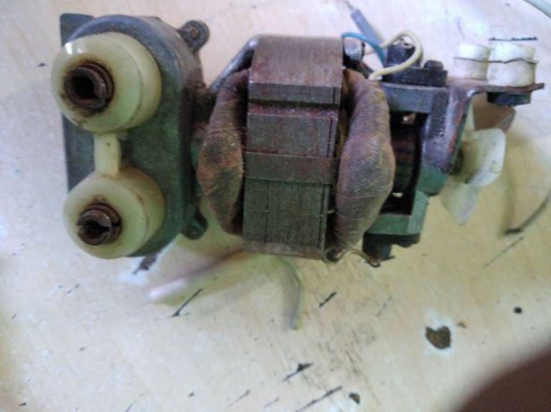 Электродвигатель от советского миксера