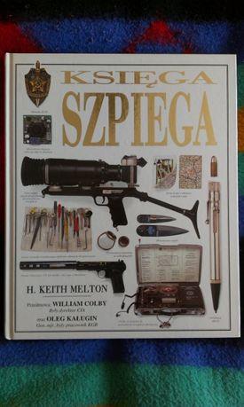 Księga Szpiega, H. Keith Melton, szpiegostwo